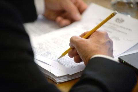 В облдуму внесен законопроект, предусматривающий снижение ставки транспортного налога для владельцев гибридных автомобилей
